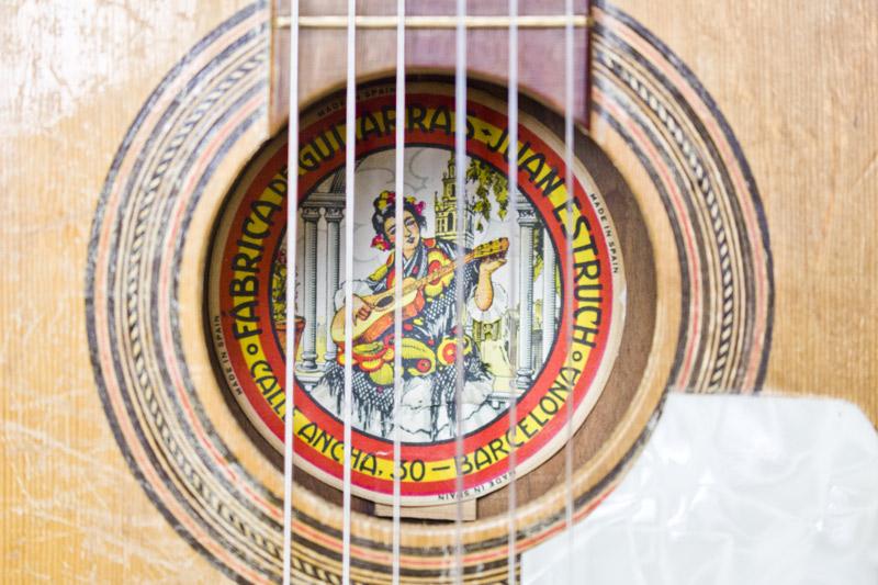 Estruch small guitar